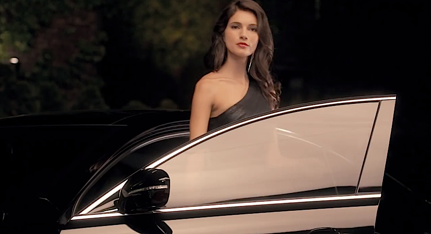 Model Teresa Moore in the Kia Cadenza Reunion Commercial