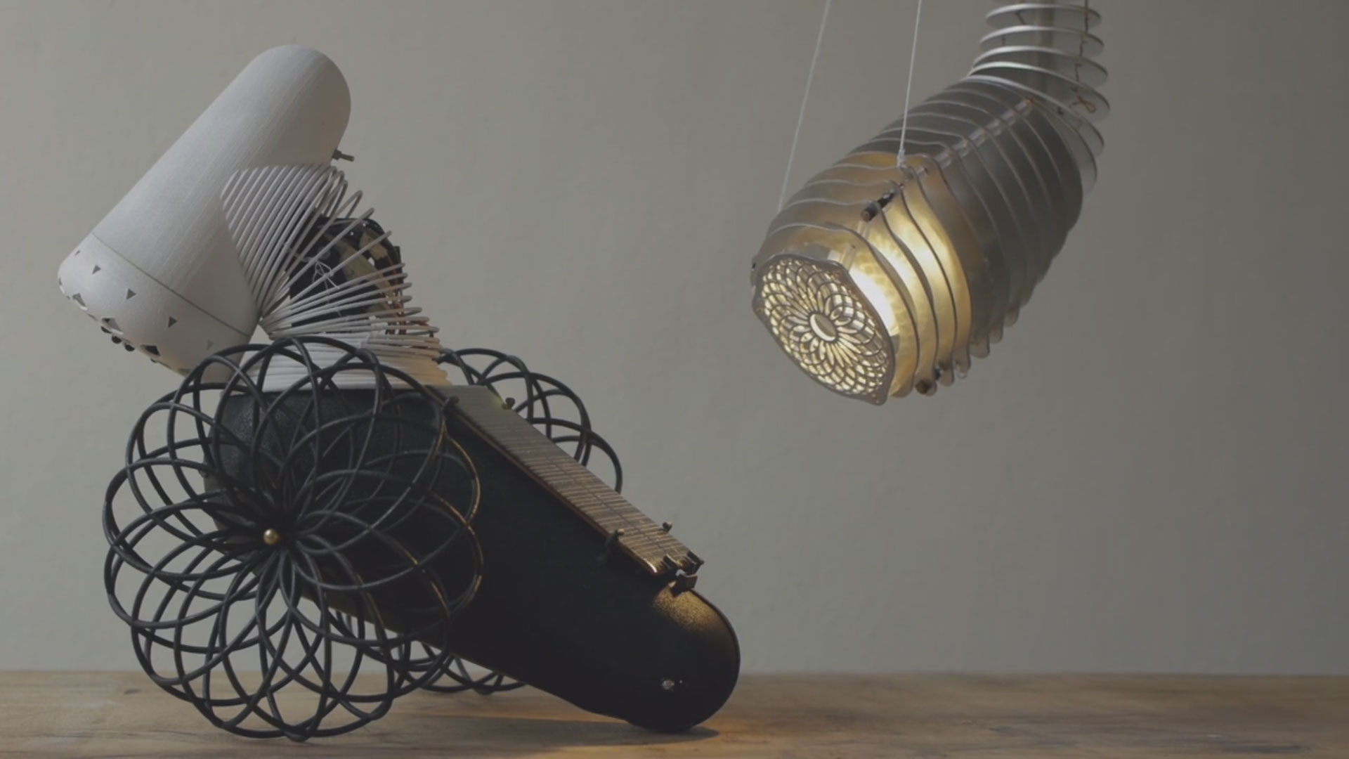 Species of Illumination – Lamps That Behave like Animals